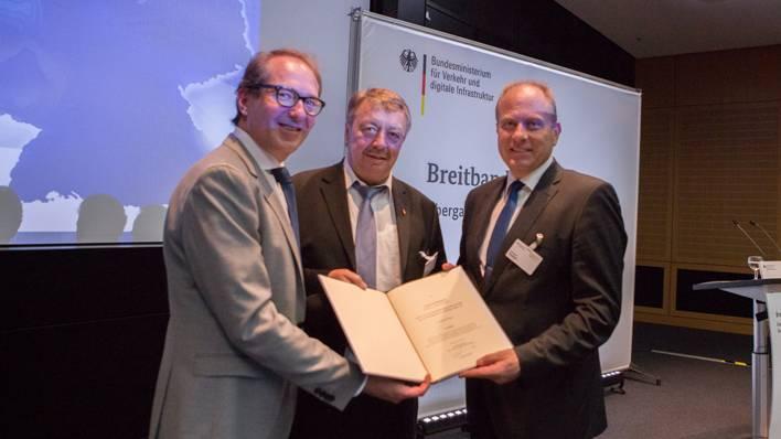 Foerdermittelzusage in Berlin für den Ausbau des Breitbandnetzes im Landkreis Helmstedt
